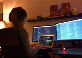 توصیههای یک دختر برنامه نویس 19 ساله