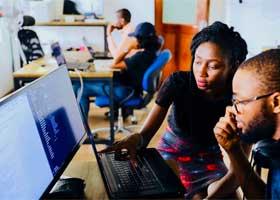 آیا به یادگیری برنامه نویسی علاقهمند هستید؟ ۱۳ دلیل برای اینکه همین حالا شروع کنید