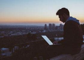 چرا برنامه نویسان دوست دارند شبها کار کنند؟